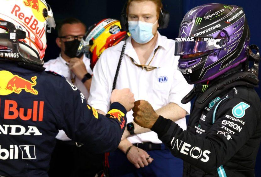 Hamilton vince in volata su Verstappen la gara inaugurale, ok la Ferrari