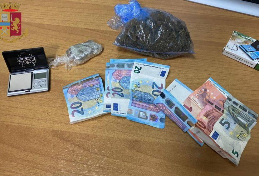 Messina, arrestati due pusher: sequestrati hashish e marijuana