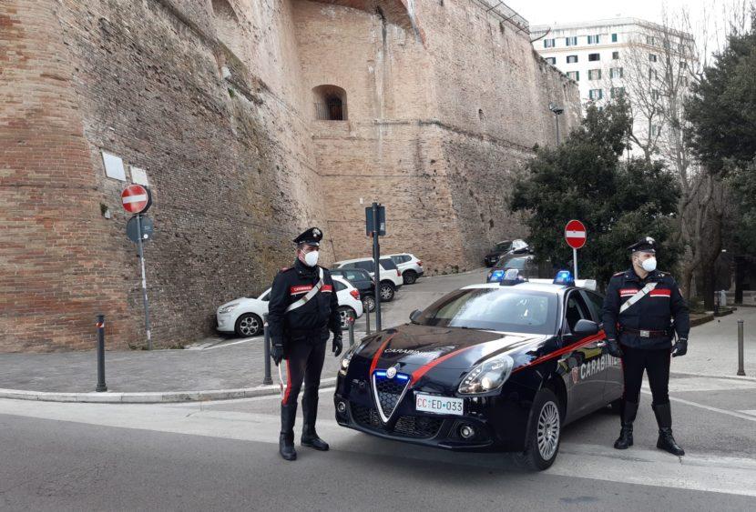 I Carabinieri arrestano un cittadino tunisino e ne denunciano un secondo