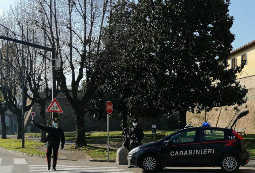 Ubriaco alla guida provoca incidente: coppia di sessantenni ricoverata