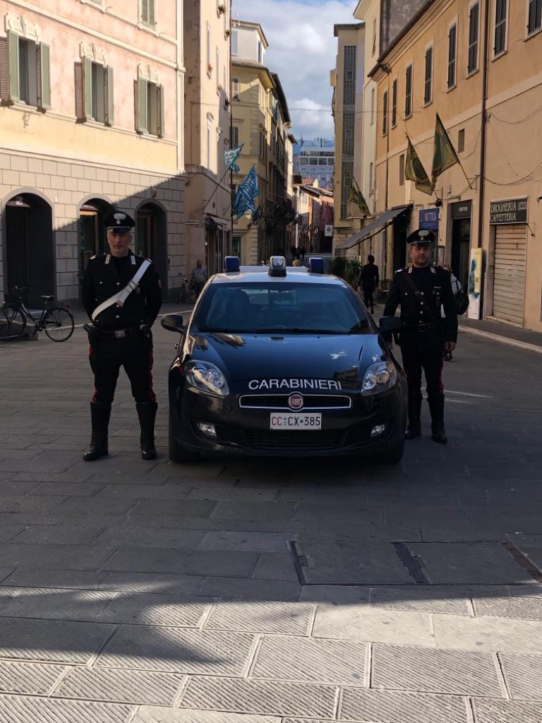 Foligno: denunciate due donne a piede libero per furto aggravato