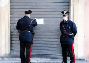 Catania, controlli a tappeto dei carabinieri. Chiuso un ristorante e varie denunce