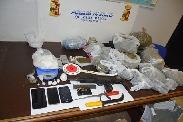 Lecce, arrestato un uomo per spaccio di droghe e detenzione di armi