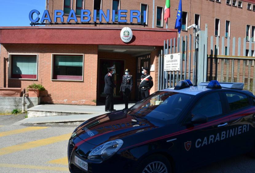 I Carabinieri sottopongono a fermo di indiziato di delitto un rapinatore