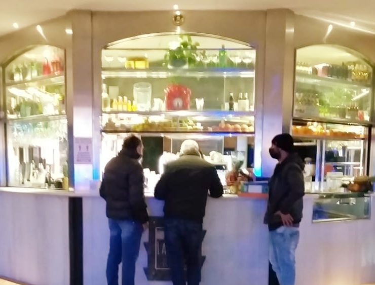 Polizia: 70 controlli con 2 locali chiusi e una decina di verbali nel catanese