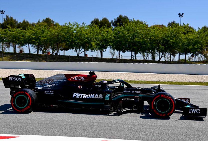 F1, Hamilton è in tripla cifra: pole numero 100 in Spagna, ottimo Leclerc