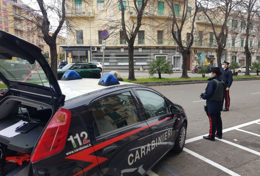 Torino, cercano di rubare materiale per la casa ma vengono sorprese