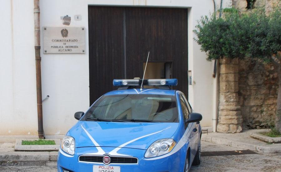 Lecce, prima ruba il portafogli e poi estorce 160 euro per la restituzione