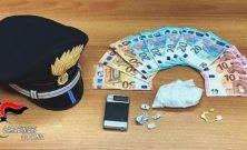 Arrestata una coppia per spaccio: donna nascondeva la droga nel reggiseno
