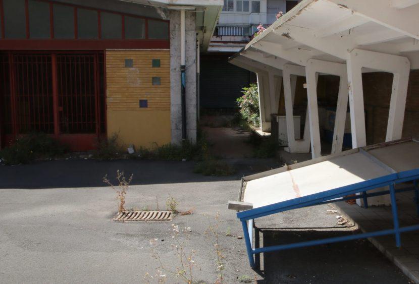 """Sit-in al mercato chiuso di Picanello a Catania: """"ennesima incompiuta"""""""