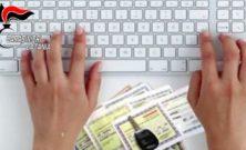 Randazzo (CT), stipulava false assicurazioni via web: denunciato