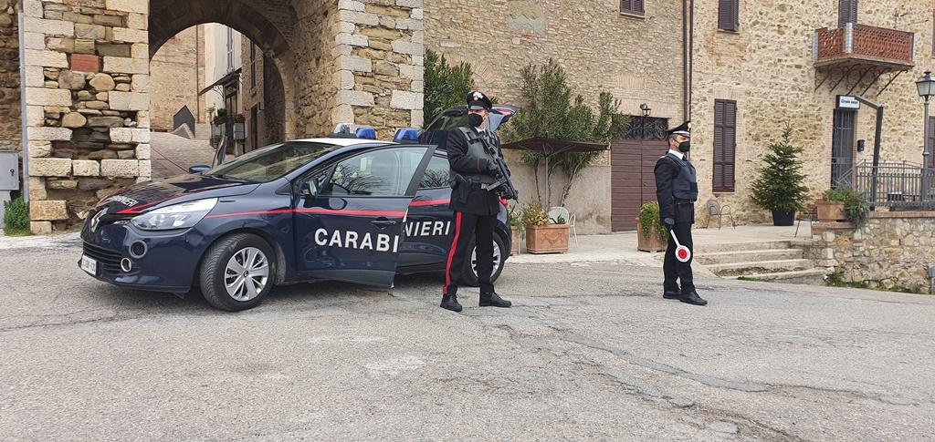 Todi, arresto dei carabinieri per tentato omicidio e porto illegale d'arma bianca