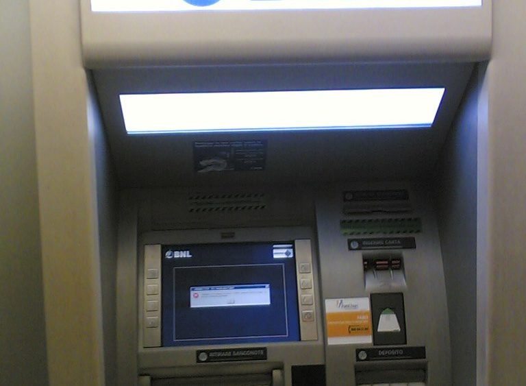 Banche online: prelievi più convenienti e spese di gestione dimezzate
