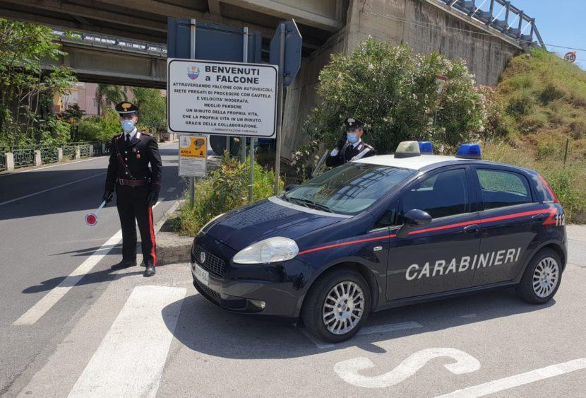 Messina, maltrattamenti in famiglia a falcone