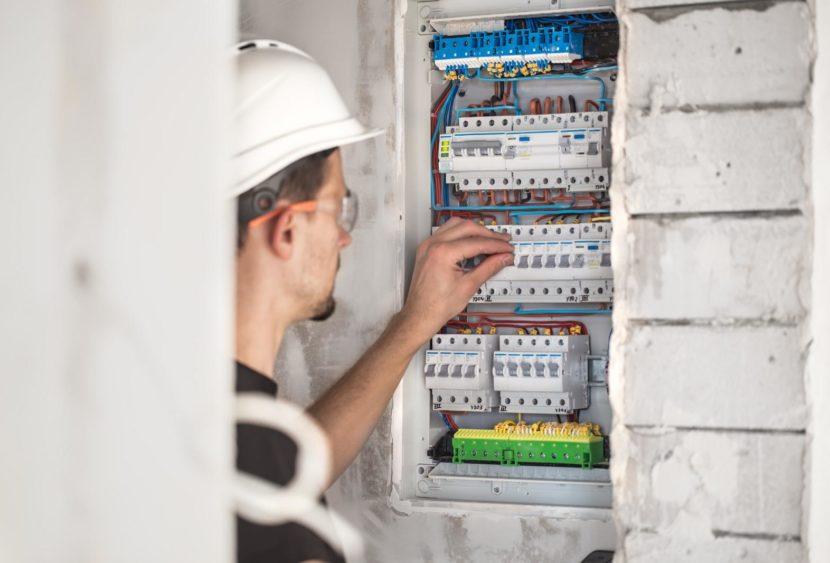 Opt-Ente scuola edile di Siracusa: corso di formazione per addetto ai lavori elettrici