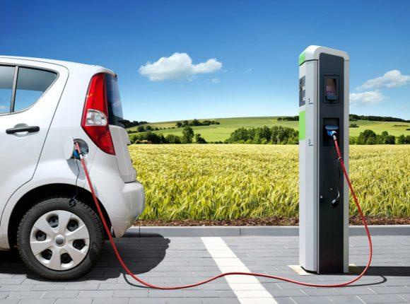 Un nuovo cemento per caricare le auto elettriche durante il tragitto