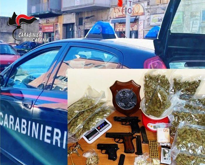 Catania: nel suo garage armi e droga ma viene scovato dai Carabinieri