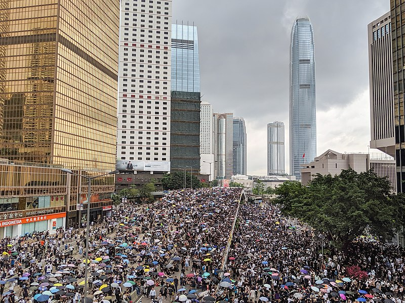 Hong Kong, attivista pro-democrazia condannato a 9 anni di carcere