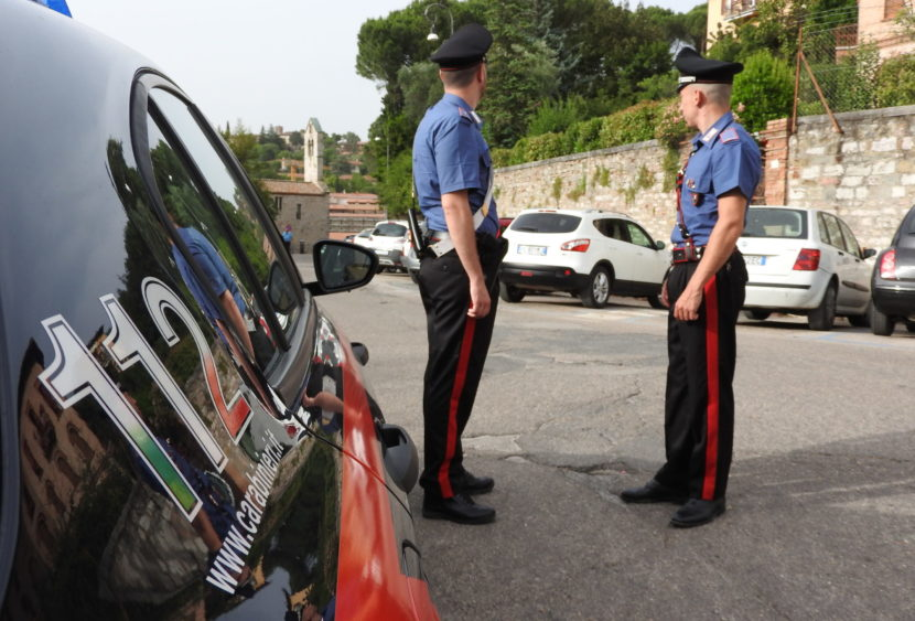 Perugia, i carabinieri traggono in arresto due persone