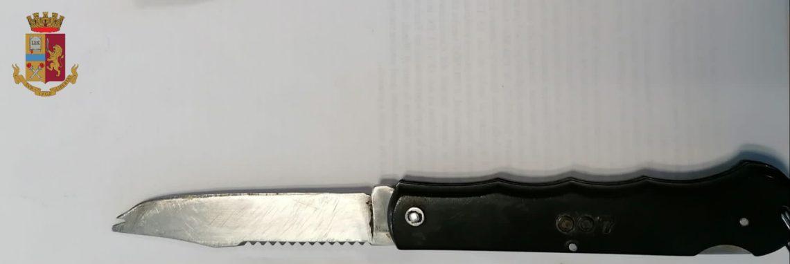 Torino: aggredisce con un coltello tre operatori del Gruppo Trasporti