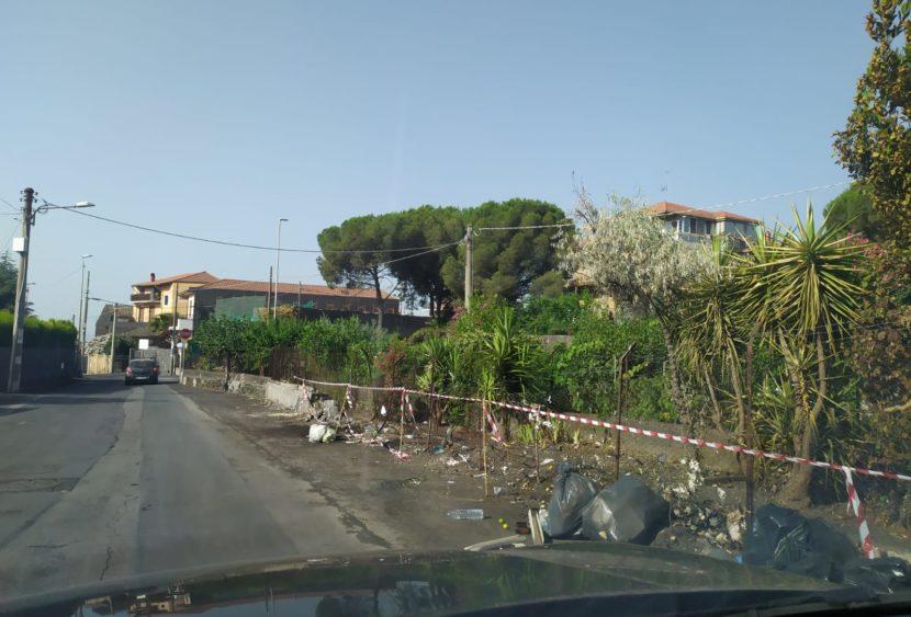 Catania: emergenza rifiuti in via Allegria