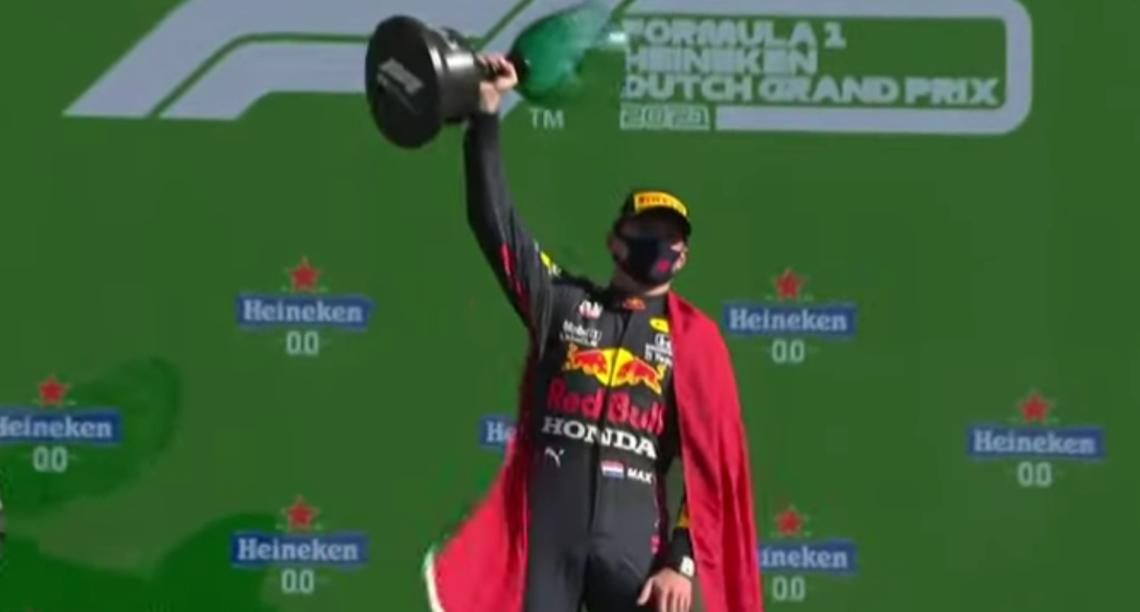 Re Verstappen trionfa su Hamilton e torna leader, Ferrari senza squilli
