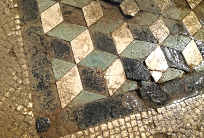 Mosaici uguali nel Palatino e a Segesta: risvolti storici
