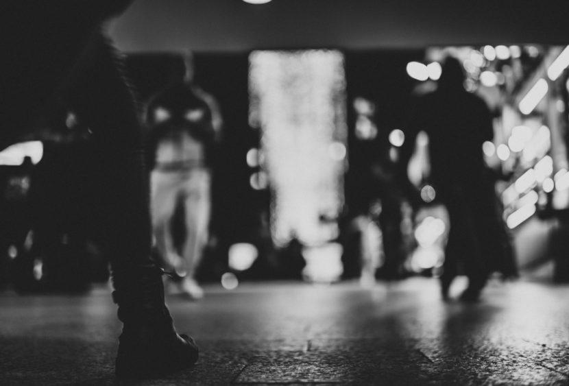 Rivoli, Arrestata stalker dagli agenti del commissariato: va sotto casa del marito nonostante il divieto di avvicinamento