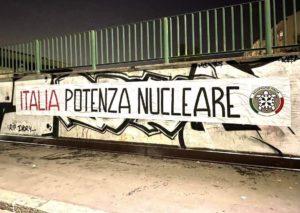 Casapound: Italia potenza nucleare, striscioni nelle città italiane