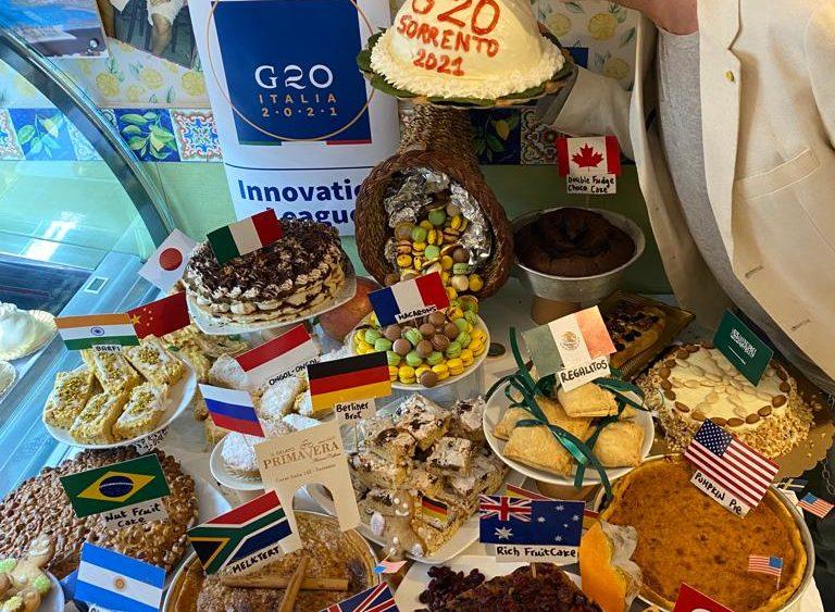 G20 del Commercio a Sorrento, il pasticciere Antonio Cafiero, sforna i dolci tipici dei paesi coinvolti