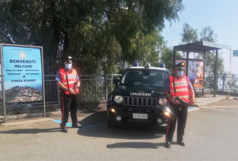 Forza d'Agro (ME): Combustione illecita di rifiuti. Un uomo denunciato dai Carabinieri