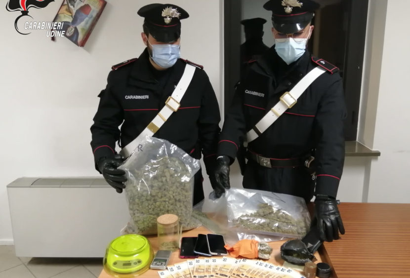 Udine. Trasportavano droga in auto, arrestati per spaccio di stupefacenti