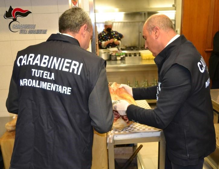 """Operazione """"Margherita"""". Denunciati i titolari di 7 note pizzerie gourmet"""