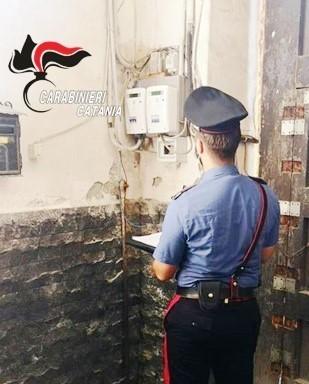 Caltagirone (CT): abitazione inadatta a ricevere il figlio ai domiciliari perché il padre ruba energia elettrica