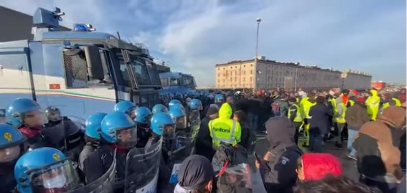 Porto di Trieste: sgombero della polizia, dispersa la folla NoPass