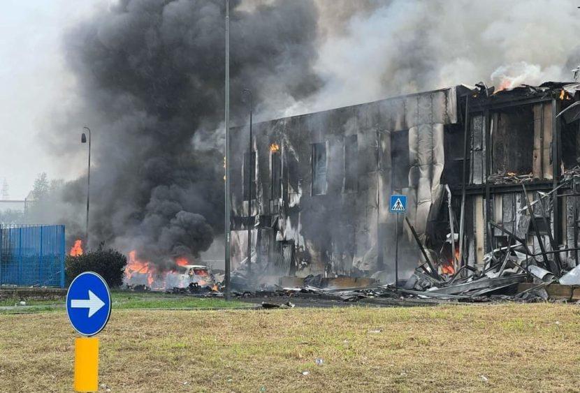 Aereo precipita a Milano: nessun sopravvissuto degli 8 a bordo, tra cui un bambino