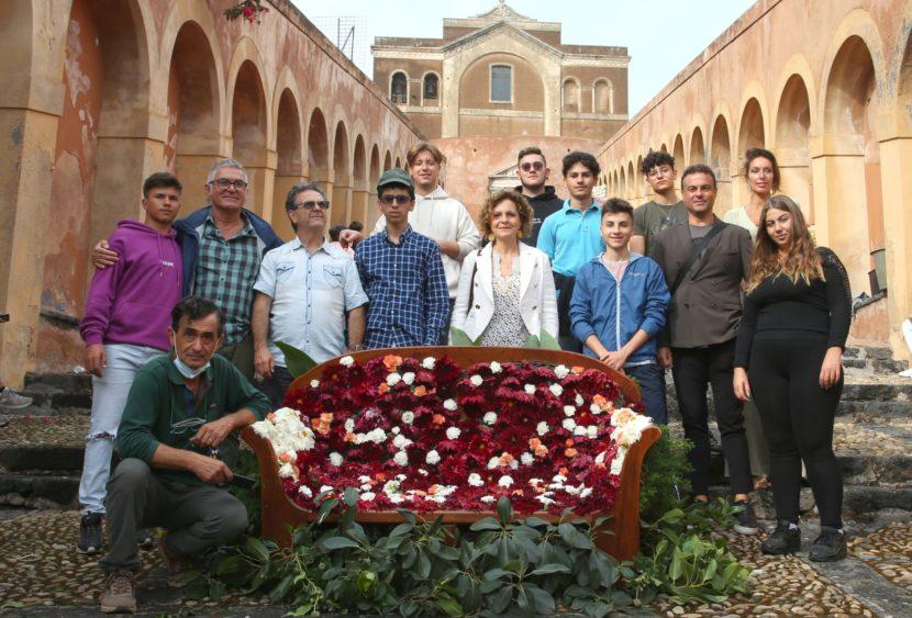 """Gli studenti dell'istituto """"Francesco Redi"""" di Paternó, Belpasso e Biancavilla presenti alla 1° edizione della """"Scalinata in Fiore"""""""