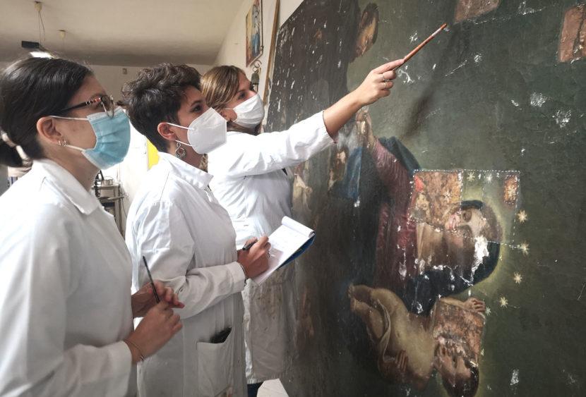 Dal restauro spuntano i colori originali: la sorpresa su un tela a Partanna